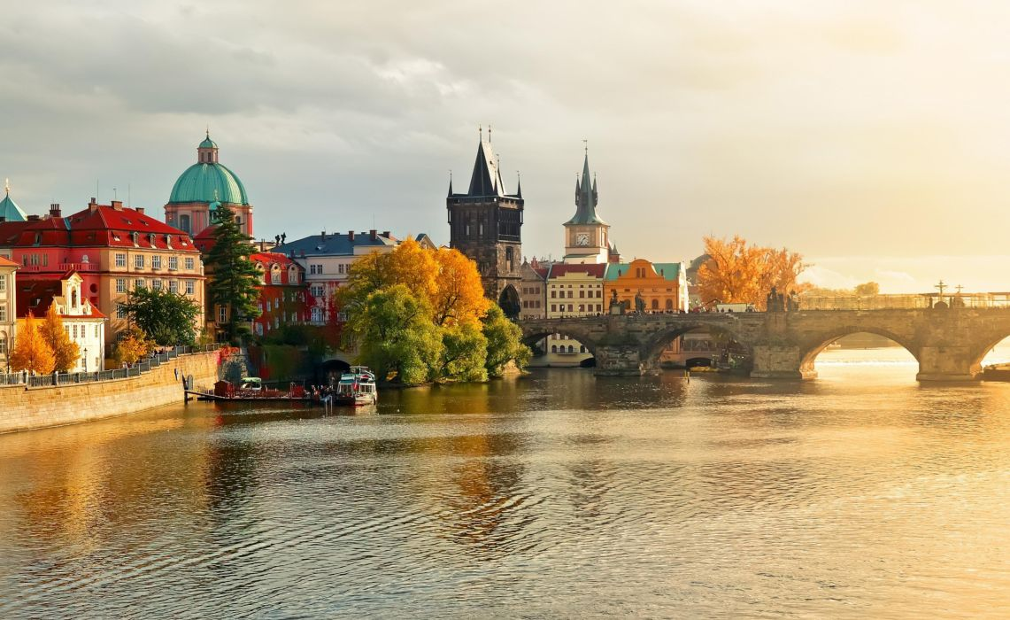 Town Charles Bridge in Prague Czech Republic wallpaper