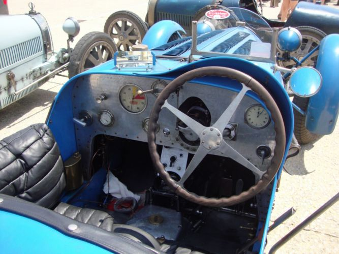 Bugatti retro vintage wallpaper