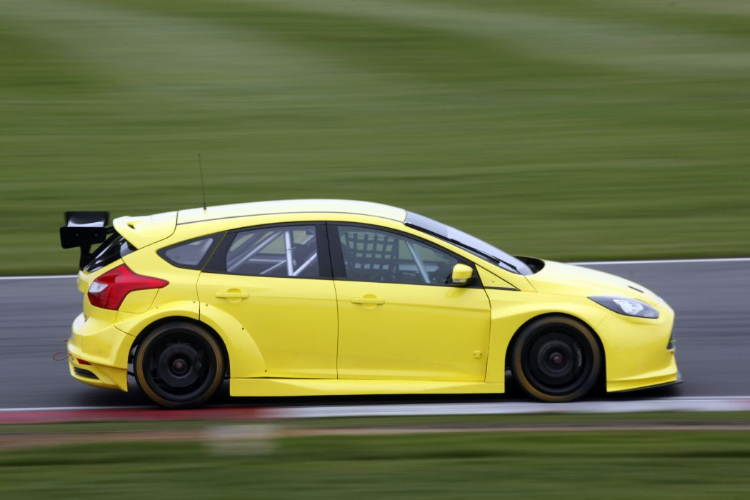 2011 Ford Focus S-T BTCC rally race racing wallpaper