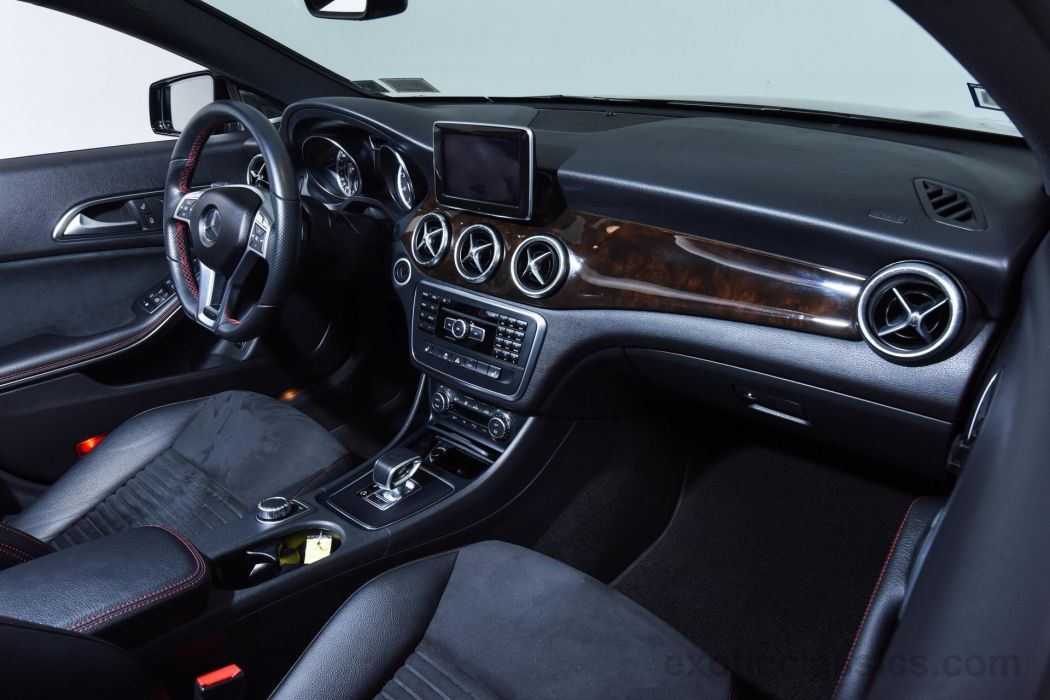 2014 MERCEDES BENZ CLA45 AMG wallpaper