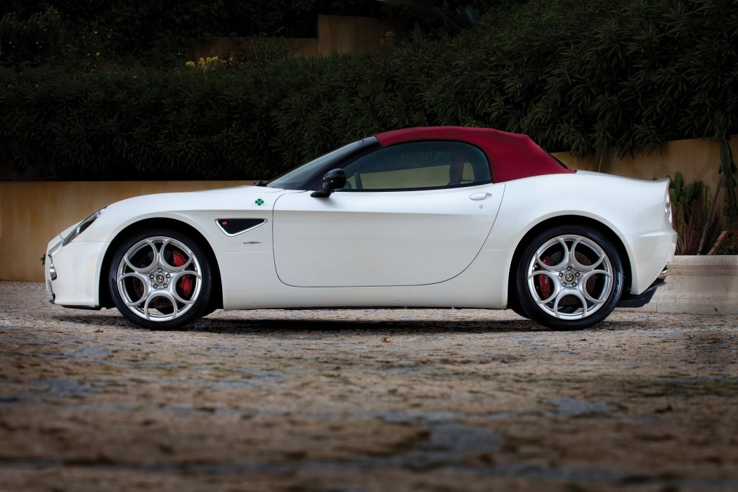2010 Alfa Romeo 8-C Spider wallpaper
