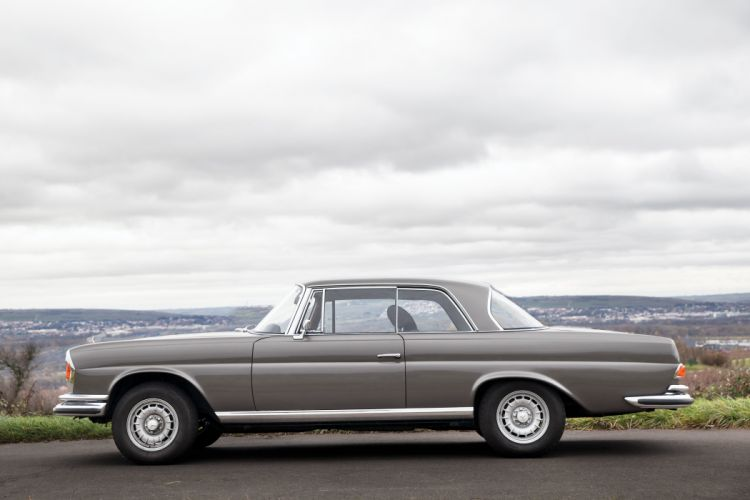 1970 Mercedes Benz 280SE 3-5 Coupe W111 280 classic luxury wallpaper