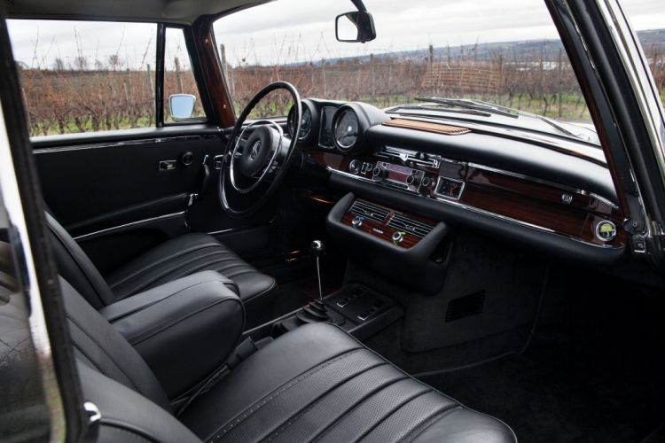 1970 Mercedes Benz 280SE 3-5 Coupe W111 280 classic luxury wallpaper