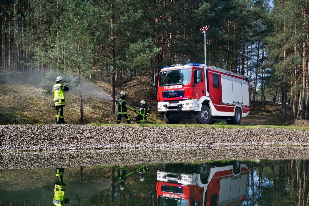 2015 MAN TGM 18-340 4x4 B-B Gimaex Plus HLF20 firetruck fire emergency semi tractor wallpaper