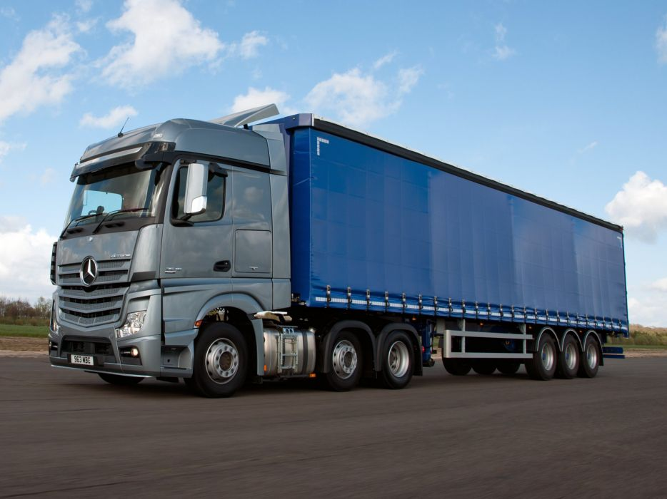 2015 Mercedes Benz Actros 2545 L-S BigSpace UK-spec semi tractor wallpaper