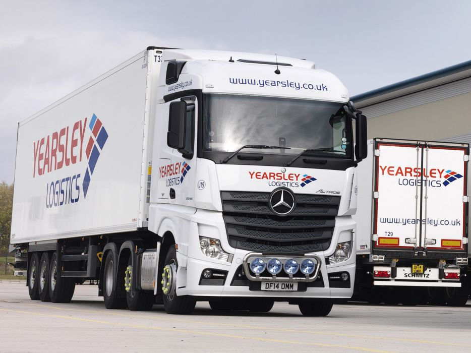 2015 Mercedes Benz Actros 2545 L-S BigSpace UK-spec semi tractor wallpaper