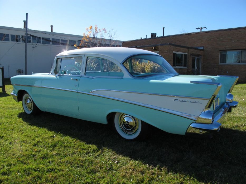 1957 Chevrolet 210 retro sedan wallpaper
