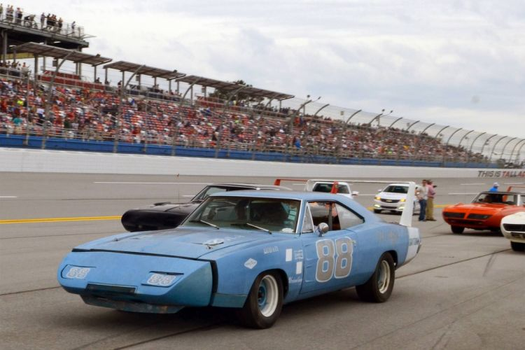 MOPAR hot rod rods muscle plymouth dodge nascar race racing wallpaper