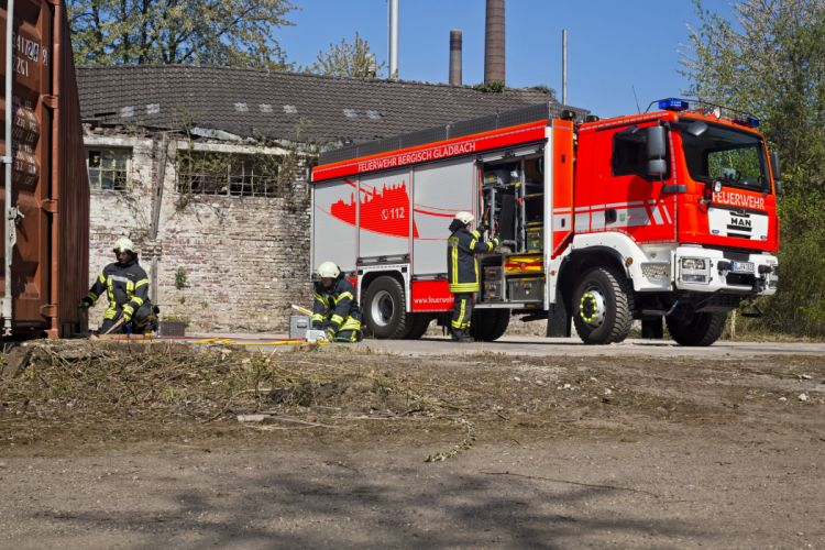 2015 MAN TGM 18-340 4x4 B-B Gimaex Rustwagen firetruck emergency semi tractor wallpaper