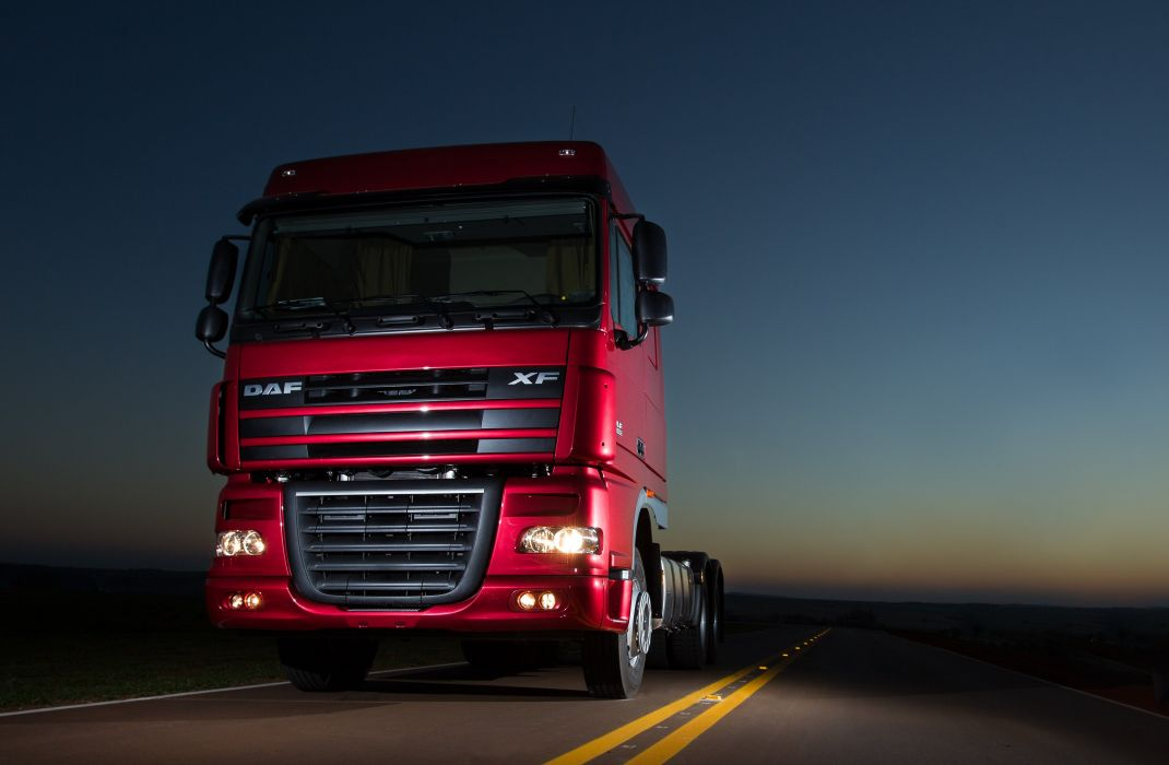 2006-12 DAF XF105 6x4 FTT Space Cab semi tractor wallpaper