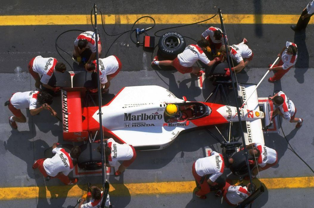 1988 McLaren Honda MP4-4 formula f-1 race racing wallpaper