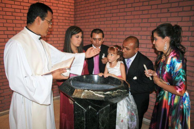 celebracion bautizmo padres padrinos niA wallpaper