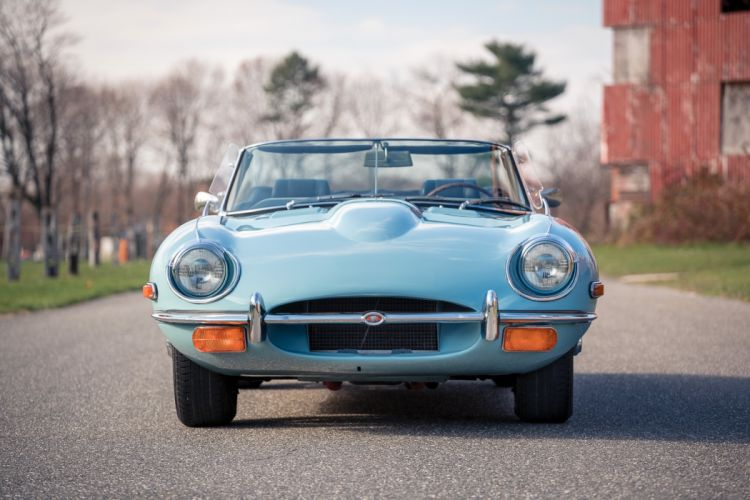 1969 Jaguar E-Type Open Two Seater US-spec Series-II classic supercar wallpaper