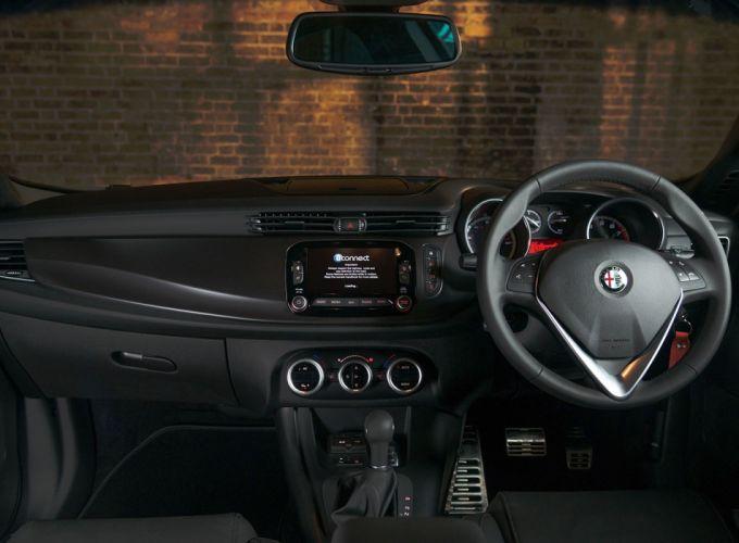 2015 Alfa Romeo Giulietta Collezione UK-spec 940 wallpaper