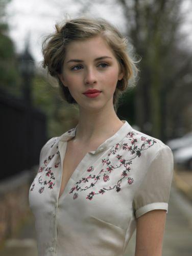 blonde girl female red lips beautiful blue eyes wallpaper
