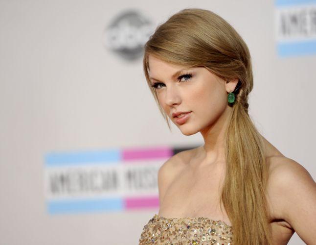 Taylor Swift girl female blonde beautiful blue eyes wallpaper