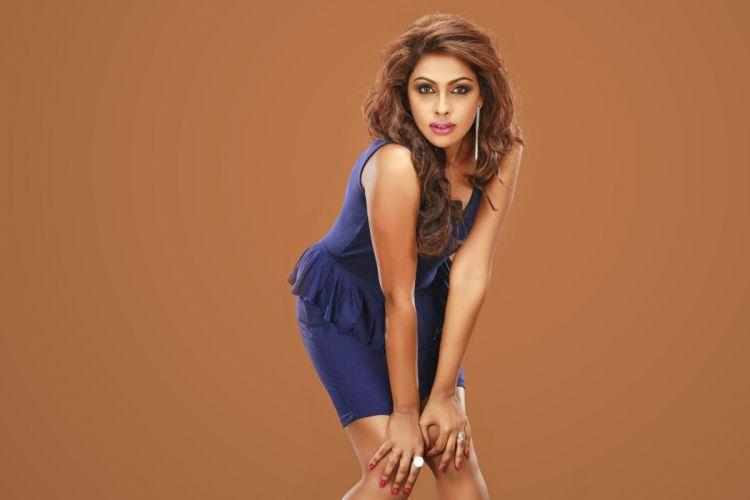 srinika bollywood actress model girl beautiful brunette pretty cute beauty sexy hot pose face eyes hair lips smile figure indian wallpaper