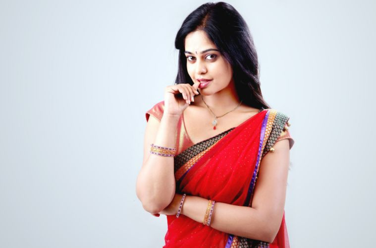 bindhu madhavi bollywood actress model girl beautiful brunette pretty cute beauty sexy hot pose face eyes hair lips smile figure indian saree sari wallpaper