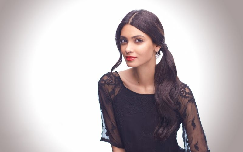 diana penty bollywood actress model girl beautiful brunette pretty cute beauty sexy hot pose face eyes hair lips smile figure indian wallpaper
