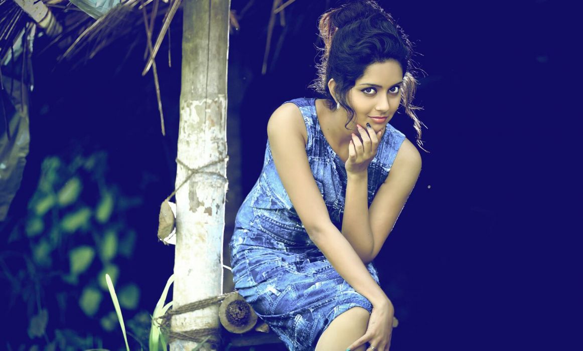 Mahima bollywood actress model girl beautiful brunette pretty cute beauty sexy hot pose face eyes hair lips smile figure wallpaper