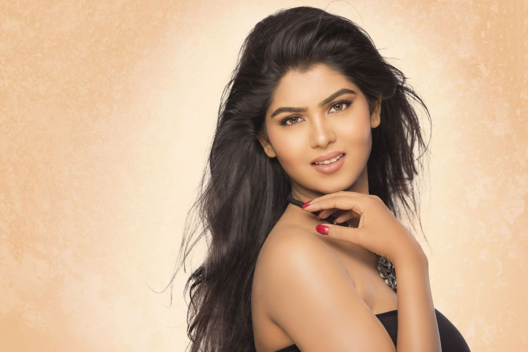 upasna bollywood actress model girl beautiful brunette pretty cute beauty sexy hot pose face eyes hair lips smile figure indian  wallpaper
