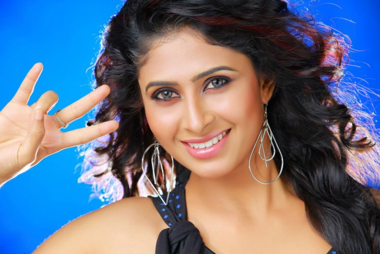 aisha bollywood actress model girl beautiful brunette pretty cute beauty sexy hot pose face eyes hair lips smile figure indian wallpaper