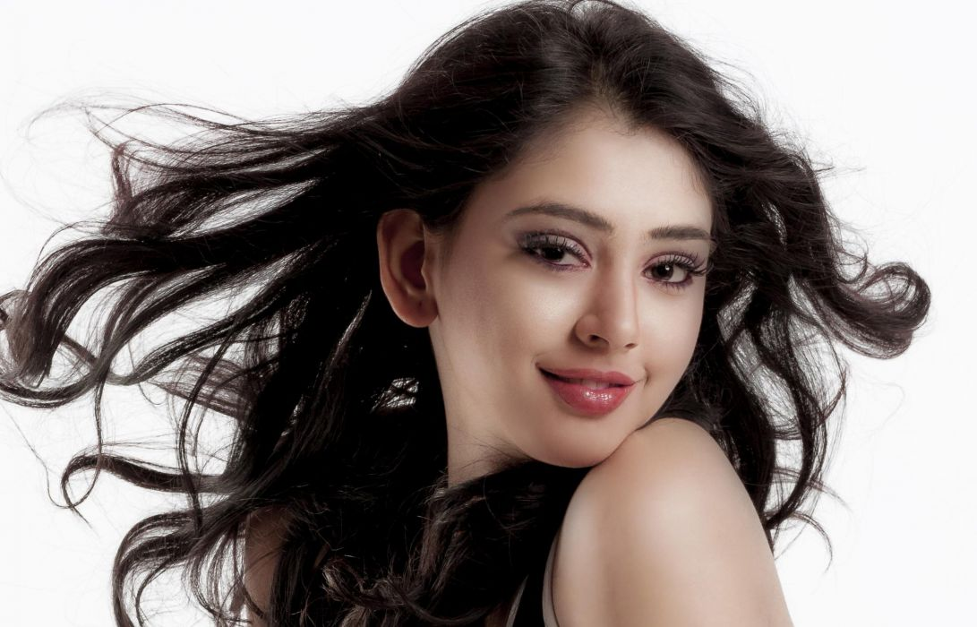 niti taylor bollywood actress model girl beautiful brunette pretty cute beauty sexy hot pose face eyes hair lips smile figure indian  wallpaper