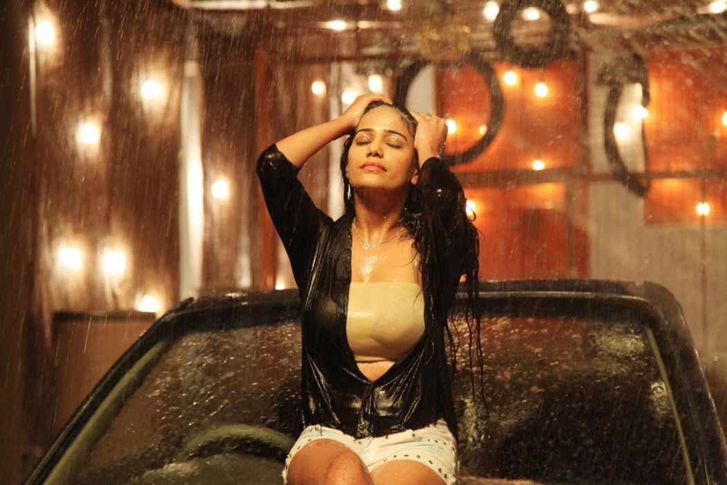 Poonam pandey bollywood actress model girl beautiful brunette pretty cute beauty sexy hot pose face eyes hair lips smile figure indian  wallpaper
