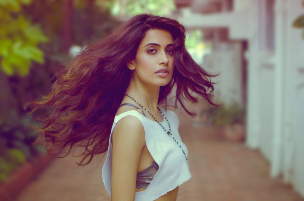 Sarah Jane Dias bollywood actress model girl beautiful brunette pretty cute beauty sexy hot pose face eyes hair lips smile figure indian  wallpaper