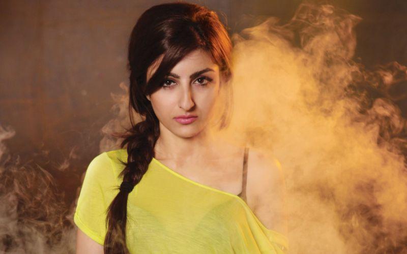 soha ali khan bollywood actress model girl beautiful brunette pretty cute beauty sexy hot pose face eyes hair lips smile figure indian wallpaper