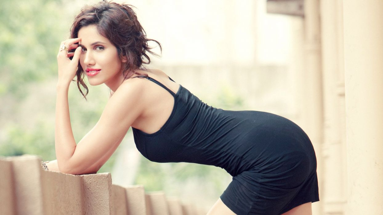 sonali sehgal bollywood actress model girl beautiful brunette pretty cute beauty sexy hot pose face eyes hair lips smile figure indian  wallpaper