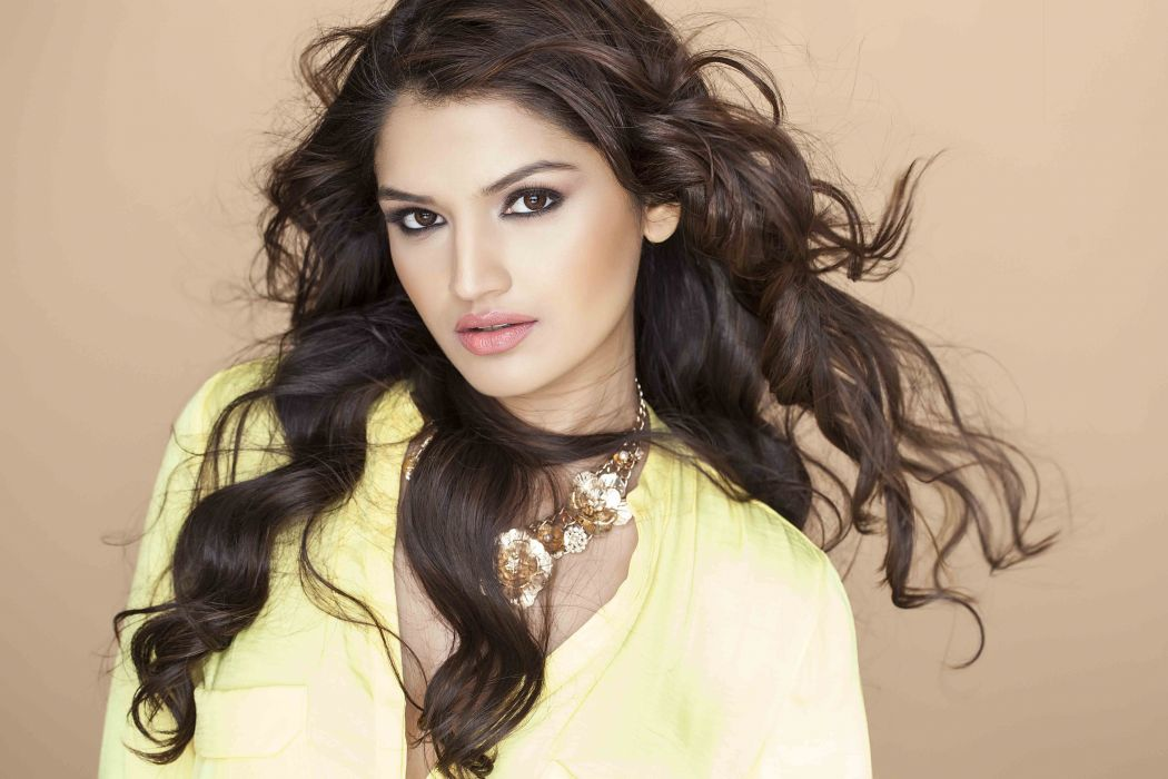 Tara Alisha bollywood actress model girl beautiful brunette pretty cute beauty sexy hot pose face eyes hair lips smile figure indian  wallpaper