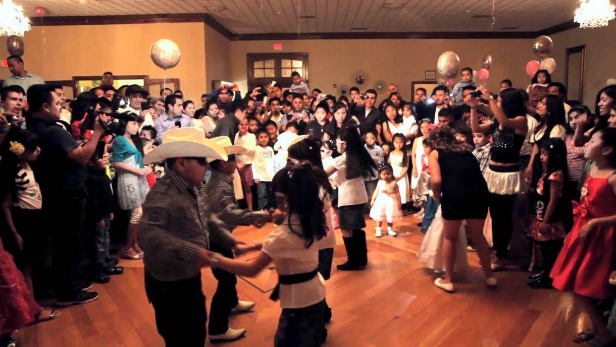 sala baile pista gente bailando wallpaper