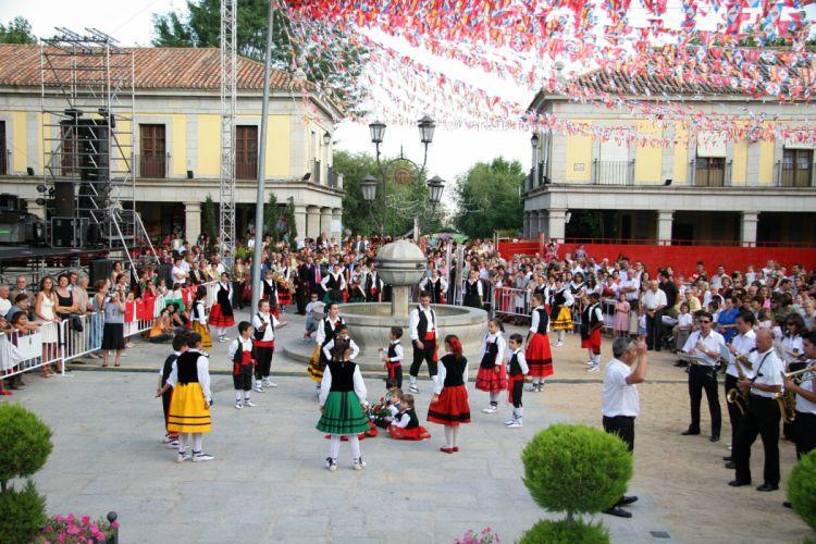 fiestas patronales pueblos bailes wallpaper