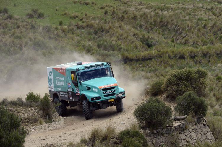 2015 Iveco PowerStar Evolution II 4x4 offroad semi tractor dakar race racing wallpaper