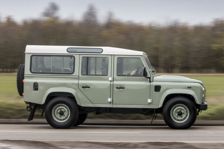 2015 Land Rover Defender 110 Heritage UK-spec suv awd 4x4 wallpaper
