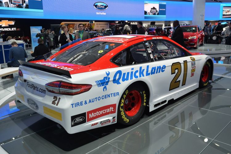 Ford Fusion 2016 NASCAR race cars wallpaper