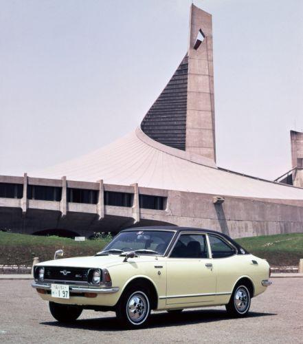 1970-74 Toyota Corolla Coupe JP-spec classic wallpaper
