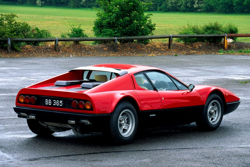 1973-76 Ferrari 365 GT4 Berlinetta Boxer UK-spec Pininfarina supercar wallpaper