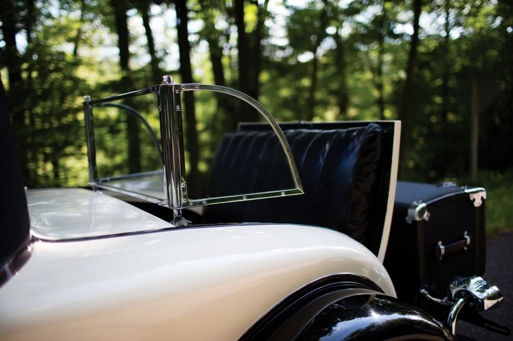 1931 Packard Deluxe Eight Convertible Coupe 840-479 vintage luxury wallpaper