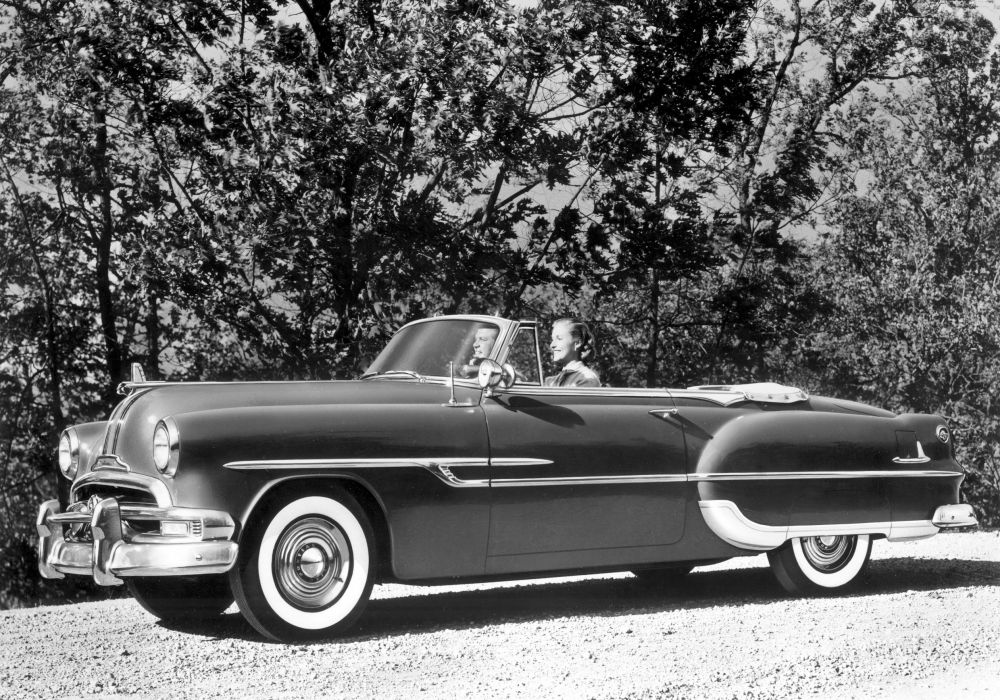 1953 Pontiac Chieftain DeLuxe Convertible Coupe retro wallpaper