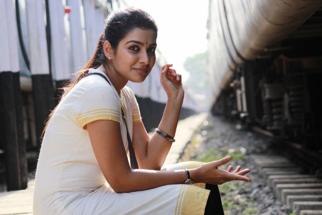 Satna-Titus-@-Pichaikkaran-Movie-Stills-4 wallpaper