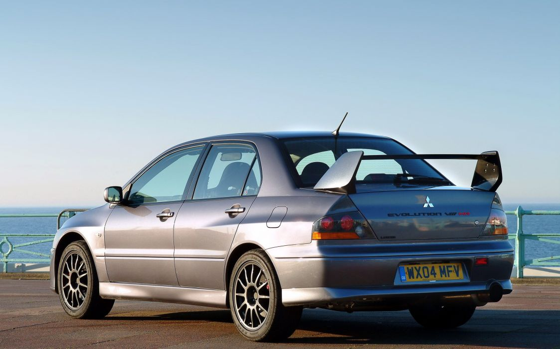 2004 Mitsubishi Lancer Evolution VIII M-R wallpaper