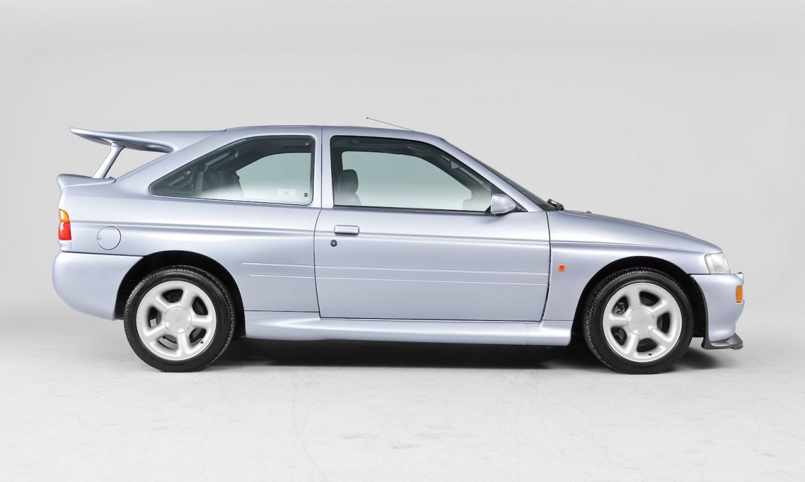 1993-96 Ford Escort R-S Cosworth UK-spec wallpaper