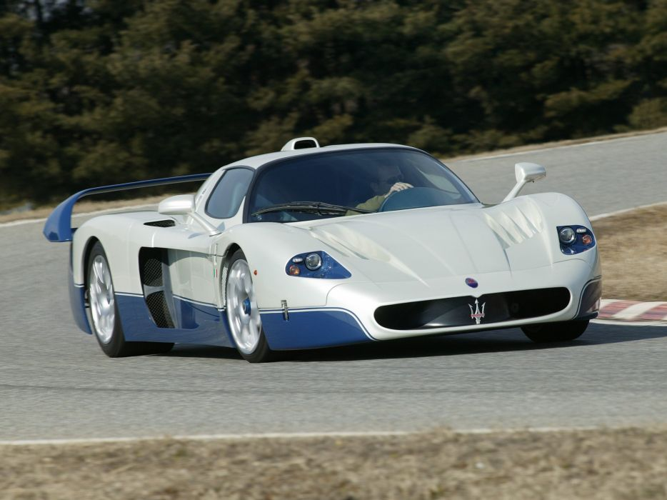 2005 Maserati MC12 Italdesign supercar wallpaper