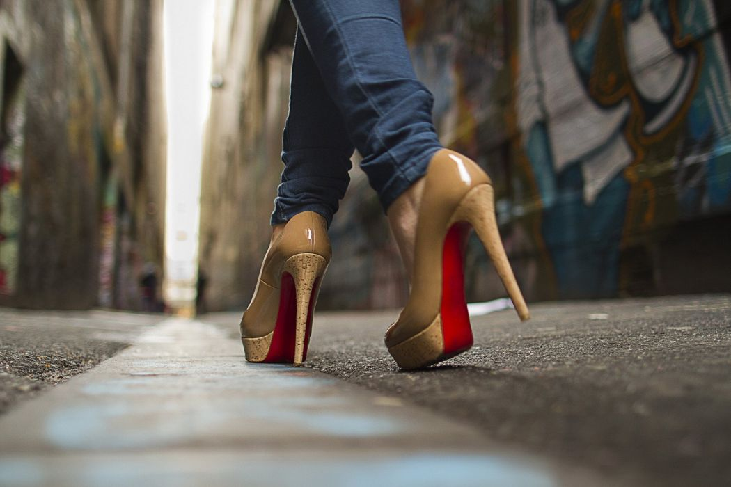 zapatos mujer tacones calle wallpaper