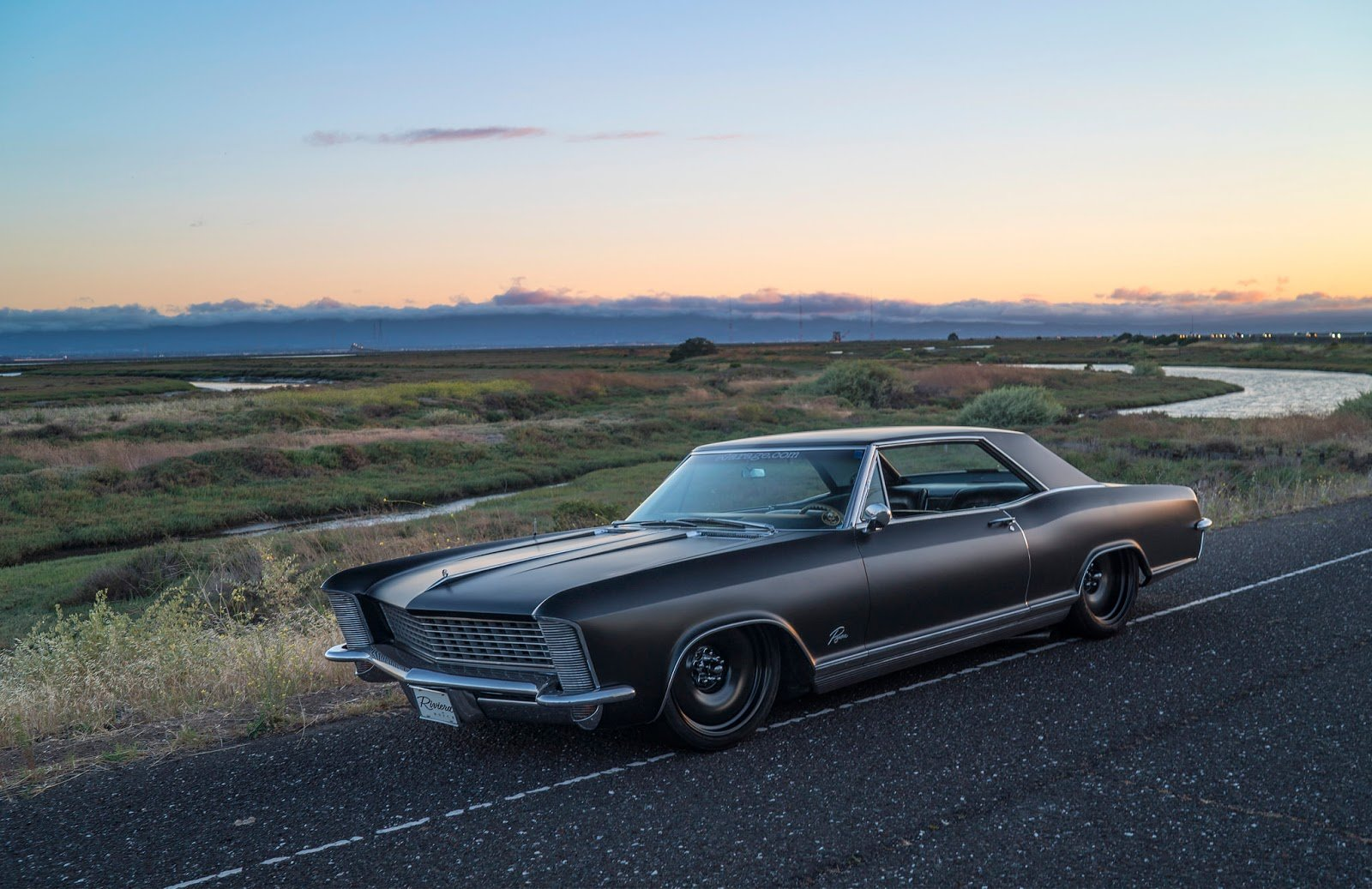 1965 Buick Riviera Lowrider Custom Luxury Classic
