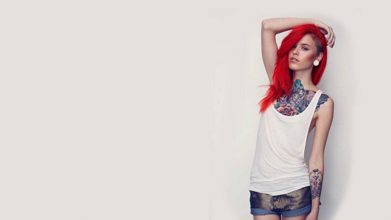 chica pelirroja tatuada wallpaper