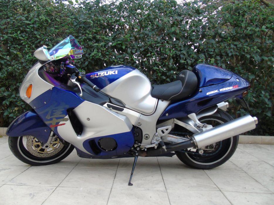 Hayabusa sportbike superbike Suzuki 2001 dark wallpaper