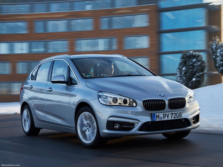 BMW 225xe Active Tourer cars 2016 wallpaper